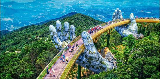 0013502_ve-chuong-trinh-dem-ba-na-hills-tron-goi-ve-cap-treo-fantasy-land-buffet-toi_550